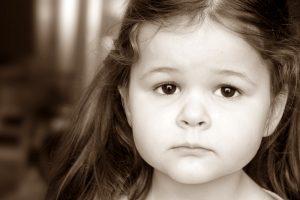 Szomorú kislány